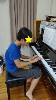 はると ピアノ.JPG