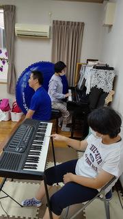 楽器遊び .JPG